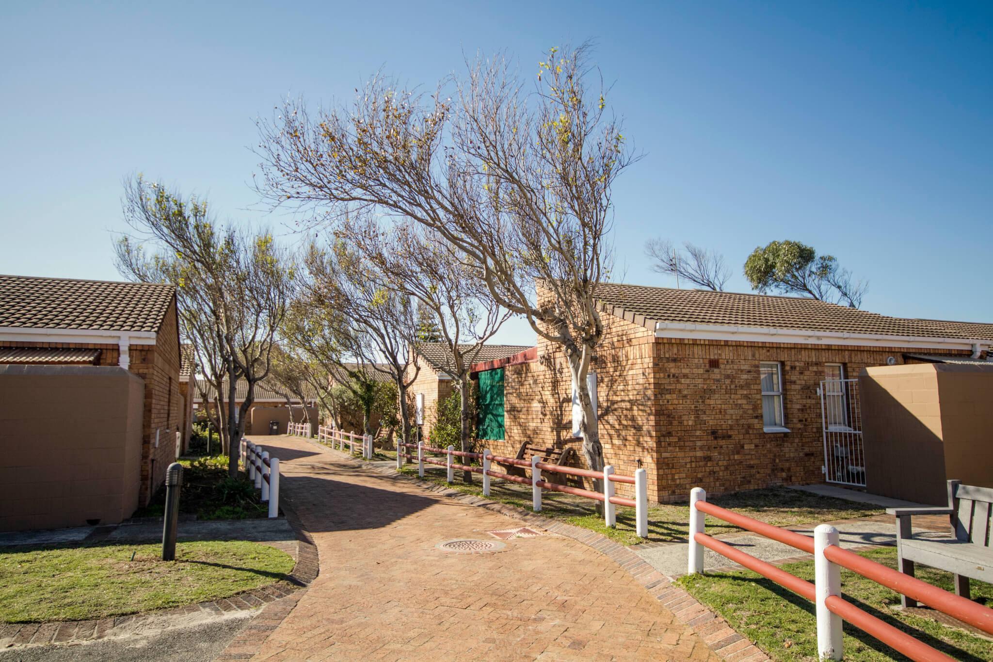 Yvonne Parfitt Retirement Village Cape Town - Senior Service